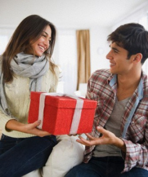 Что выбрать мужчине в подарок на день рождения